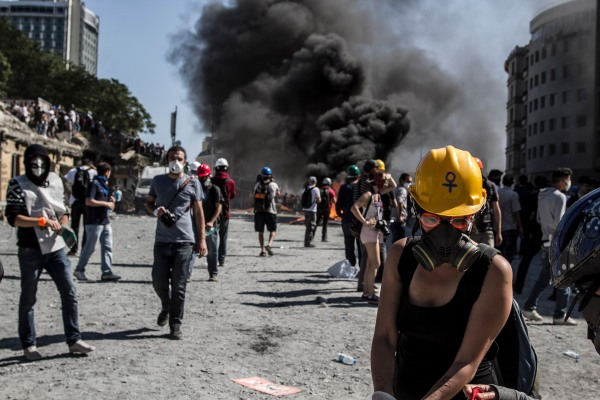 Resisting excessive police force, Istanbul Turkey.