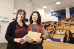 Tomoko Obata receives the joint audience prize from Dr Daniela Peluso.